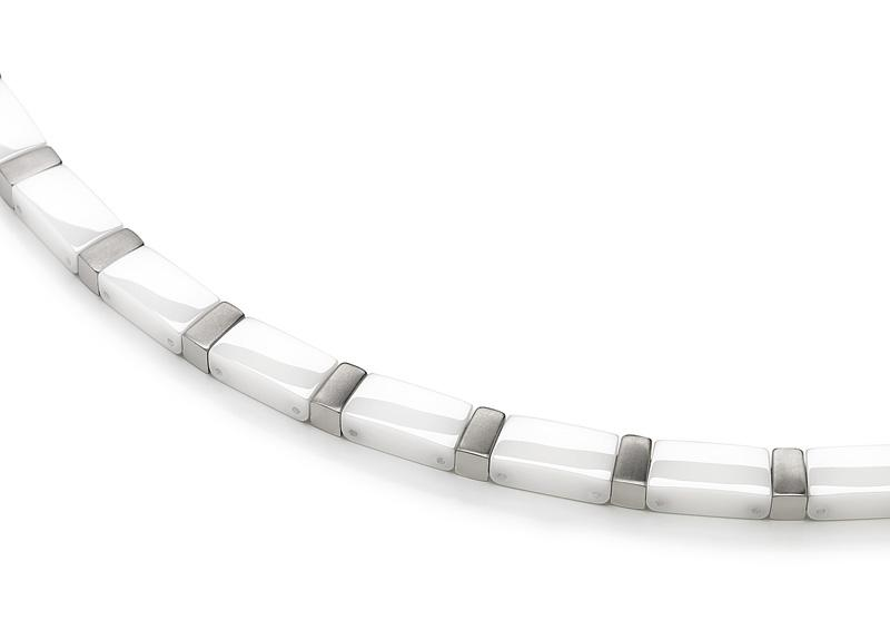 collier blanc homme
